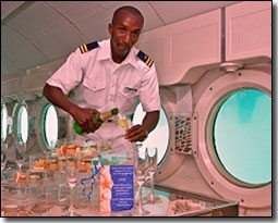 Atlantis Submarine Five-Star Champagnes VIP Tour